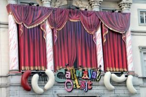 Stadhuis Aalst met Carnaval OilsjtPersregio Dender