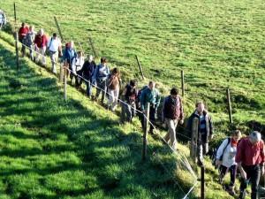 Wandelaars langs trage wegen Persregio Dender