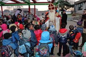 sinterklaas-op-bezoek-in-basisschool-de-bij-persregio-dender