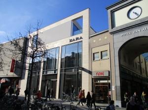 Zara winkel in Nieuwstraat Aalst Persregio Dender