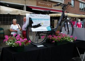 Oxford fiets geschonken door Markcommisie Liedekerke Persregio Dender