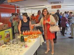 Tania De Jonge in Kringloopwinkel Ninove Persregio Dender