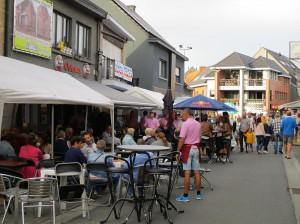 Avondmarkt Nijverheidsstraat cafe Octopus Mere Persregio Dender