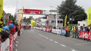 Aankomstlijn Lotto Belgium Tour Elite dames 2017 Persregio Dender