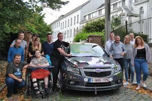 Old & Cars schonl cheque aan vzw De Bolster Persregio Dender