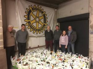 Rotary Geraardsbergen deelt kerstpakketten uit Persregio Dender