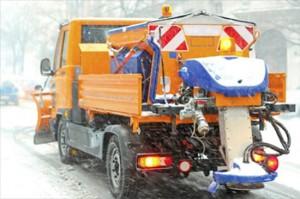 Strooiwagen op de baan Persregio Dender