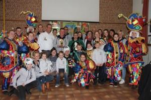 Overhandiging wisselbeker winnaars Carnavalstoet 2018 Ninove