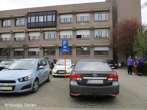 Parking aan oud Belastingshuis Ninove Persregio Dender