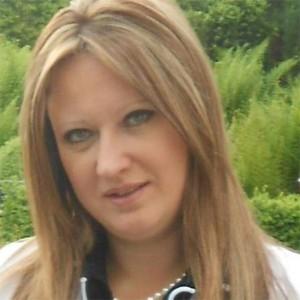 Karoline De Roose uit Okegem bij N-VA Ninove Persregio Dender
