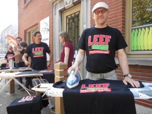 Leef Herzele hield protesactie rond sluiting strijkwinkel Herzele Persregio Dender